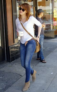 8322.Emma-Stone-in-Doll-Boots