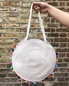 DIY rope bag with a pom pom trim! Pom Pom Trim, Pom Poms, How To Make Rope, Flat Shapes, Bag Patterns To Sew, Learn To Crochet, One Design, Bag Making, Diy Fashion