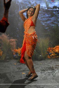 http://img.ragalahari.com/august2008gallery/anushka10/anushka1058.jpg