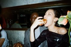 Gigi Hadid, Disposable Film Camera, Film Pictures, Film Aesthetic, How To Pose, Teenage Dream, Friend Photos, Photo Dump, Looks Style