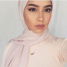 Inspiration Mate Makeup : can't u love that pleasee tell me? Best Inspiration Mate Makeup : can't u love that pleasee tell me? -Read More –Best Inspiration Mate Makeup : can't u love that pleasee tell me? -Read More – Beautiful Girl Makeup, Beautiful Hijab, Islamic Fashion, Muslim Fashion, Arab Fashion, Muslim Girls, Muslim Women, Hijabs, Simple Makeup