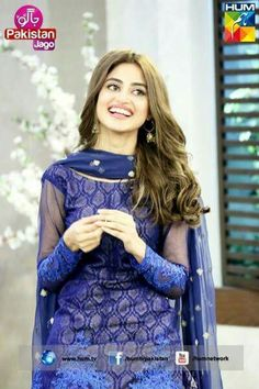 Sajjal ali- looks pretty and love her top colour