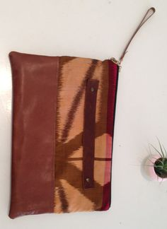 Belinda Clutch by Grace Designs on Little Paper Planes - LOVE THE HANDLE (&con-sealed on bag!)