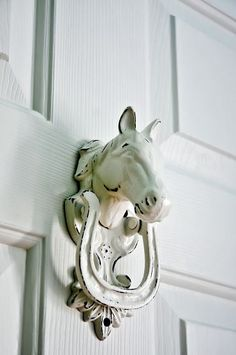 HOME DECOR – EQUESTRIAN STYLE – Hand poured iron horse knocker from Etsy