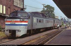 RailPictures.Net Photo: AMTK 27 Amtrak Budd RDC-A at Meriden, Connecticut by Tom Nelligan Ho Trains, Model Trains, Train Car, Auto Train, Railway Museum, Train Pictures, Three Rivers, Model Train Layouts, Diesel Locomotive