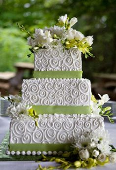 3 tier wedding cake. Beautiful and easy to do.