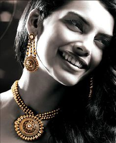 Tanishq's Glam gold collection - ooh lala !