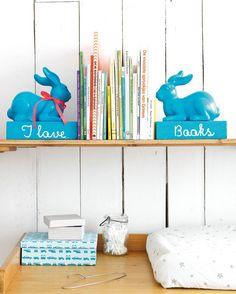 Boekensteun haas - Bookend hare Kijk op www.101woonideeen.nl #tutorial #howto #diy #101woonideeen #boekensteun #bookend #haas #hare