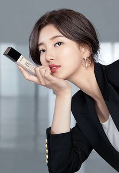 We put this long-lasting, comfortable-matte foundation to the test and didn Beauty Hacks Acne, Oriflame Beauty Products, Miss A Suzy, Luxury Lifestyle Women, Matte Foundation, Beauty Tips For Hair, Beauty Shoot, Bae Suzy, Skin Cream