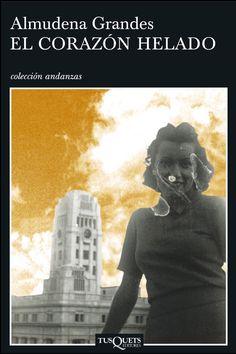 Con El corazón helado Almudena Grandes nos entrega sin duda su novela más ambiciosa, en la que traza a través de dos familias un panorama emocionante de la historia reciente de nuestro país, y también del conflicto de las nuevas generaciones con la memoria.