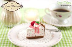 Raspberry Cheesecake felt food craft kit (diy felt cake dessert). $9.95, via Etsy.