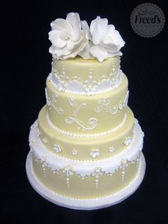 Sharon, if I was getting married this would be my cake. So pretty!