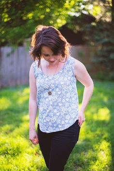 Click through for a free tutorial on how to #sew a tank top (with an external zipper in the back) #stylebymethod #CleverGirls