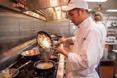 Le Cordon Bleu Techniques I Cooking Class Le Cordon Bleu, Cooking Classes, Cooking Tips, Cooking Recipes, New Cookbooks, Secret Recipe, Online Business, Healthy Living, Ethnic Recipes