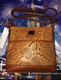 04eb6e5f71 Disney Aulani Hawaii Leather Dooney   And Bourke Duffy Bear Crossbody Bag  Purse Duffy