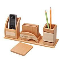 Graceful wooden desk chair ikea that look beautiful Wood Pen Holder, Pen Holders, Small Woodworking Projects, Wooden Projects, Wooden Desk Organizer, Bois Diy, Wood Gifts, Business Card Holders, Desk Organization