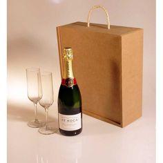 Botella de cava brut nature AT Roca y pareja de copas grabadas en caja para regalo