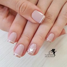 pretty manicure minus the stone & flower though. Love Nails, Pretty Nails, Fun Nails, Fabulous Nails, Perfect Nails, Essie, Diy Ongles, Nagel Hacks, French Nails