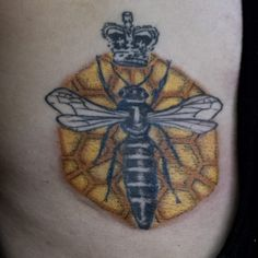 Crosshatch Dotwork colour Queen bee tattoo by Yanick Sasseville Mile End Tattoos Montreal http://sassevilletattoo.com/