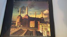 9 record Albums van de beste legendarische kunstenaars zoals U2 The Beatles Pink Floyd Dire Straits Simply Red The Police en meer  1. pink Floyd - dieren - Side1-varkens op de Wing1  honden schapen Side2-Pigs(Three Different Ones)  varkens op de Wing2EMI-Bovema-Holland 19772. de Beatles - Live! In de Star-Club In Hamburg Duitsland; 1962. (2 records In dit Album) 1977 Lingasong Ltd. -Ariola Benelux3. Dire Straits - Money For Nothing - Side1-Sultans Of Swing  tot de waterlijn  Portobello Belle…