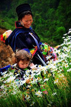 Black Hmong Mother, Vietnam