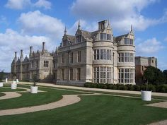 Kirby Hall is one of England's greatest Elizabethan and 17th-century houses. Near Gretton, the hall was owned by Sir Christopher Hatton, Chancellor to Elizabeth 1st: