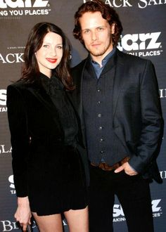 #HottieOfTheWeek @ENews A lady in black! Caitriona Balfe