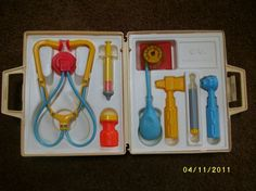 I had this set and it was one of my favorite things EVER I would use it to play Veterinarian with my stuffed animals all the time (I took good care of my stuffed animals. My sole Barbie doll was naked and headless all the time, but those stuffed animals were a different story).