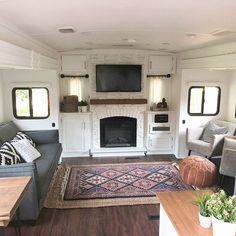 33 Amazing Boho RV Camper Renovation - Dream home - Rv Campers, Camper Trailers, Travel Trailers, Travel Trailer Remodel, Teardrop Campers, Bus Camper, Teardrop Trailer, Happy Campers, Tiny House Living