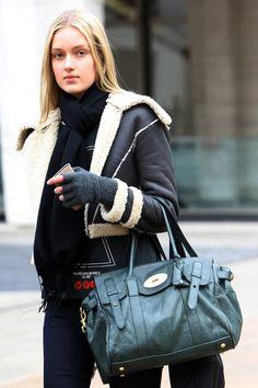 Los mejores looks de Street Style en la Semana de la Moda de Nueva York: mitones de lana