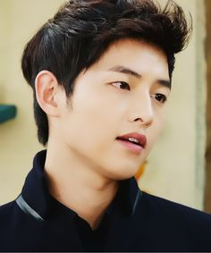 This hairstyle - Song Joong-Ki at The Innocent Man (TV series) So Ji Sub, Daejeon, Asian Actors, Korean Actors, Descendants, Dramas, Korean Men Hairstyle, Descendents Of The Sun, Fangirl