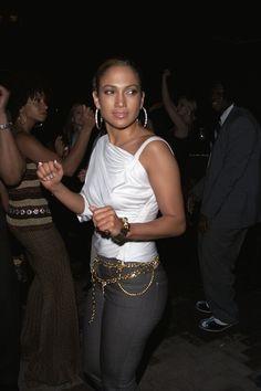 Jennifer Lopez, Sexy Librarian, Gold Skirt, Skin Tight, Timeless Fashion, Latest Fashion Trends, Things That Bounce, Mini Skirts, Belt