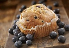 Gluten and Lactose Free Blueberry Muffins Peach Muffins, Blue Berry Muffins, Lactose Free, The Dish, Food To Make, Blueberry, Breakfast Recipes, Biscuits, Deserts