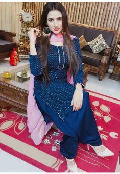 Fellow me my page Punjabi Salwar Suits, Designer Punjabi Suits, Punjabi Dress, Patiala Suit, Indian Designer Wear, Pakistani Dresses, Indian Dresses, Indian Outfits, Salwar Kameez