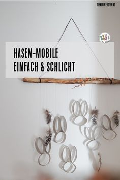 Hasen-Mobile - Sabine Lankes Hasen-Mobile A simple mobile made of toilet paper rolls: upcycling in its most magical form. The mobile with rabbits is not only beautiful to look at Easter. Tinkering with children in spring is especially great. Diy Crafts Love, Upcycled Crafts, Diy Home Crafts, Diy For Kids, Crafts For Kids, Toddler Crafts, Fabric Crafts, Paper Crafts, Easter Fabric