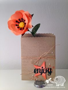 Love this idea using the Build a Bouquet and the Mini Treat Bag Thinlit Die Treat Bags, Gift Bags, Paper Crafts Origami, Embossed Cards, Pretty Packaging, Craft Fairs, Homemade Cards, Stampin Up Cards, Craft Gifts