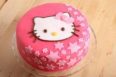 Hello Kitty Cake- too cute. I am trying to find a cake for Sofia's birthday Bolo Kitty, Bolo Da Hello Kitty, Hello Kitty Torte, Hello Kitty Birthday Cake, Hello Kitty Cupcakes, Happy Birthday, Pretty Cakes, Cute Cakes, Yummy Cakes
