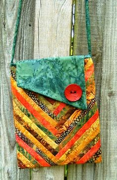 Batik quilt purse patterns more quiltedpurses Quilted Tote Bags, Patchwork Bags, Quilted Handbags, Crazy Patchwork, Quilted Purse Patterns, Quilt Patterns, Fabric Purses, Fabric Bags, Pochette Diy
