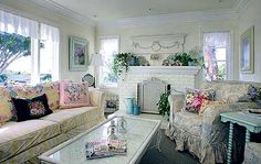 A floral painter's shabby chic style