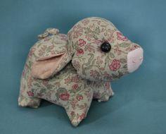 Cambric Pig pin cushion(?)