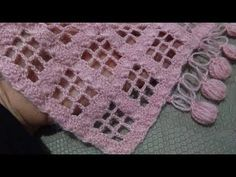 Made of checkered shawl Thread Crochet, Filet Crochet, Crochet Shawl, Crochet Crafts, Crochet Lace, Crochet Poncho Patterns, Knitting Patterns, Crochet Hairband, Crochet Crocodile Stitch