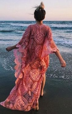 50 Boho-Style Fashion Looks Boho Chic, Boho Beach Style, Hippie Chic, Ibiza Outfits, Boho Summer Outfits, Ibiza Fashion, Style Fashion, Fashion Outfits, Gypsy Dresses