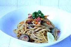 Rezepte mit Herz ♥: Asia Spaghetti mit Rührei & Nüssen