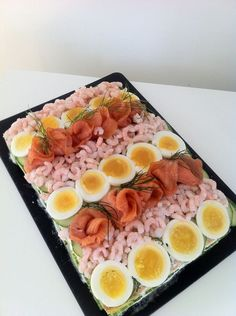 Lchf Diet, Low Carb Diet, Paleo Recipes, Low Carb Recipes, Breakfast Casserole Easy, Party Platters, Eat Fruit, Clean Eating, Brunch