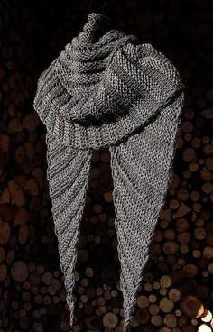 wombat shawl. free pattern with bulky yarn. love the shiny gray yarn. by…