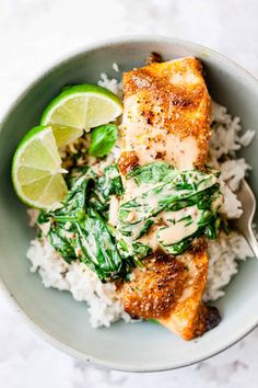 Using only Aldi ingredients this salmon curry is a quick and easy 30 minute curry recipe. Sweet coconut milk and spicy curry paste make this an easy dinner. Salmon Recipes, Fish Recipes, Seafood Recipes, Aldi Recipes, Dinner Recipes, Cooking Recipes, Healthy Breakfast Recipes, Healthy Eating, Ovens