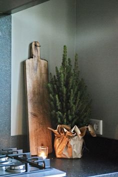 Look inside at Adeliene and Hein – De Wemelaer - All Ideas Primitive Christmas, Nordic Christmas, Christmas Kitchen, Christmas Love, Diy Christmas Ornaments, Rustic Christmas, Christmas 2019, The Loft, Rustic Home Design