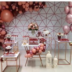 Lovely decoration for # 40 years by # . 18th Birthday Party, Birthday Party Decorations, Baby Shower Decorations, Wedding Decorations, Birthday Design, Gold Party, Event Decor, Party Time, Sweet Fifteen