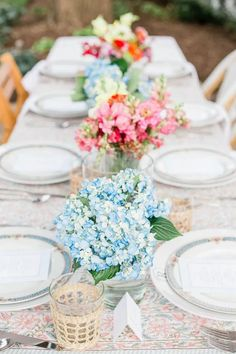 Outdoor Dinner Parties, Dinner Party Table, Brunch Party, Lunch Table Settings, May Weddings, Party Table Decorations, Backdrops For Parties, Event Decor, Diys