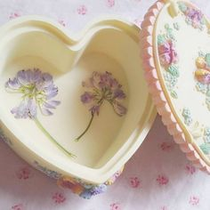 dried flowers and heart shaped box ♡ Polly Pocket, Aesthetic Vintage, Pink Aesthetic, Aphrodite Aesthetic, Barbie, Princess Aesthetic, Kawaii, Tumblr, Little Doll